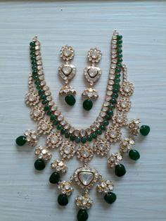 Pinterest • @KrutiChevli Mom Jewelry, Bridal Jewelry, Jewelry Design, Designer Jewelry, Jewlery, Indian Jewelry Sets, India Jewelry, Emerald Jewelry, Diamond Jewellery