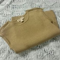 Michael Kors Sleeveless Sweater In very good condition.   No snags, stains or piling. Michael Kors Sweaters