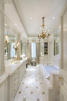 Bathroom Decor luxury Decor spa Trending Now - The Best Gold Furniture For Your Luxury Interior Design Get inspired by these luxury bathrooms and start redecorating your home in the most fancy and elegant way you can imagine! Mediterranean Bathroom, Home, Dream Bathrooms, Amazing Bathrooms, Elegant Bathroom, Luxury Bathroom, Bathroom Interior Design, Bathroom Renovations, Luxury Interior Design