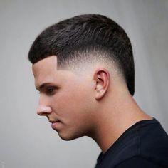 Mid Fade Haircut, Types Of Fade Haircut, Popular Mens Haircuts, Haircuts For Men, Dapper Haircut, Stylish Beards, Burst Fade, Mohawk For Men, Haircut Salon