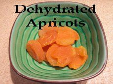 Dehydrated apricots - so easy! More info. at easy-food-dehydrating.com