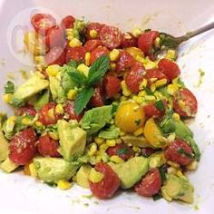 Insalata di avocado, pomodorini e mais @ allrecipes.it