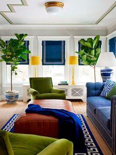 Keltainen talo rannalla: Värikästä, tyylikästä ja taiteellista