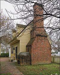 Charming little colonial cottage with outdoor wood stove Colonial Williamsburg Va, Williamsburg Virginia, Colonial Cottage, Dutch Colonial, Beautiful Homes, Beautiful Places, Into The West, Colonial America, Home Improvement Projects