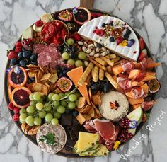 Saturday platter perfection.. just add wine and we're all set for some good time! Great masterpiece as always @the_paradise_project!