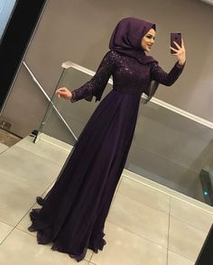 G r nt n n olas i eri i 1 ki i ayakta Hijab Dress Party, Hijab Wedding Dresses, Pakistani Dresses, Gown Wedding, Muslim Fashion, Hijab Fashion, Fashion Dresses, Classy Outfits, Girl Outfits