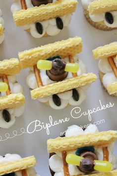 Biplane Inspired Cupcakes Decorating Tutorial. Click on the photo to view the step-by-step tutorial   Birthday   Party   Cupcakes   Cake   Biplane   Airplane   Sweets   Dessert   Treats   Food   Baking   Baked Goods   Kids   Celebrate   Party Theme   First Birthday   1st Birthday Party