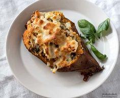 Täytetyt bataatit - 52 Weeks of Deliciousness Couscous, Lasagna, Feta, Vegetarian Recipes, 52 Weeks, Ethnic Recipes, Bulgur, Vegetarische Rezepte, Veggie Recipes