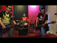 @Randy Febrian and friend's [Cover] Superglad - Ketika Setan Berteman
