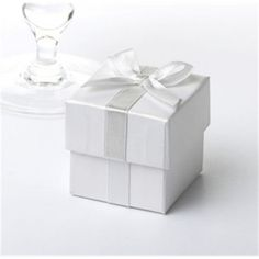 Ribbon Favour Boxes 10 Pack - White with Silver Ribbon Wedding Favour Boxes