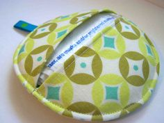 Made by Me. Shared with you.: Tutorial-Gotta Go! Portable Plastic Bag Case