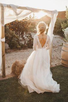 Wedding dress // Rustic wedding in Portugal // Helena Tomas Photography