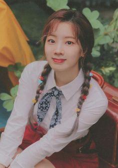 Nayeon, Kpop Girl Groups, Korean Girl Groups, Kpop Girls, Extended Play, K Pop, Dc Superhero Girl, My Girl, Cool Girl