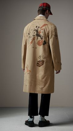 Sketch Print Tropical Gabardine Car Coat in Honey - Men Sport Fashion, Fashion Art, Mens Fashion, Fashion Design, Trench Coat Men, Burberry Trench Coat, Custom Clothes, Diy Clothes, Fashion Details