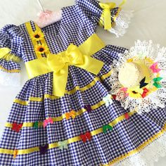 Roupinhas Kids Outfits Girls, Cute Girl Outfits, Little Girl Dresses, Toddler Outfits, Girls Dresses, Girls Frock Design, Baby Frocks Designs, Frocks For Girls, American Girl Clothes