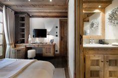 Chalet Le Petit Chateau Courchevel bedroom 3 shower