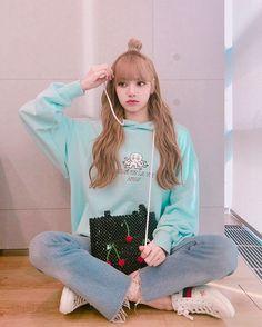 10 Best Boyish Yet Stylish Look of Lisa Blackpink Blackpink Lisa, Jennie Blackpink, Wallpaper Rose, Lisa Blackpink Wallpaper, Blackpink Fashion, Korean Fashion, Kpop Girl Groups, Kpop Girls, Forever Young