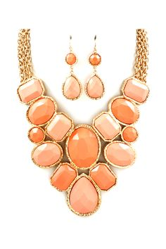 Leigh Necklace in Soft Peach