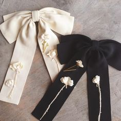 202 отметок «Нравится», 33 комментариев — flower me accessories Moscow (@flowerme_ru) в Instagram: «Black or white? ⚫️⚪️#flowerme #flowermeaccessories #fashionaccessories #bow#бант #брошь…»