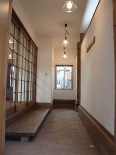 出典blog.pohaus.com出典www.nk-koubou.jp Scandinavian Interior Design, Modern Interior, Japan Room, Japanese Style House, Japanese Interior, House Entrance, Classic House, House Rooms, Interior Design Inspiration