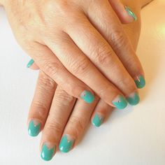 Gel nails with diamonds