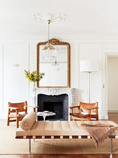 "Vintage Decor Living Room This Décor ""Mistake"" Makes All French-Girl Homes Look Insanely Cool via - We chatted with talented French interior designer Betsy Kasha on what makes a French girl's home look so insanely cool. Read her Parisian décor tips. French Living Rooms, French Country Living Room, Home Living, Living Spaces, Small Living, French Apartment, Parisian Apartment, Paris Apartment Interiors, Home Design"
