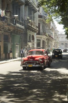 This picture sums up the Havana, Cuba that I lived in for four years. Old American cars, newer-but-still-old Russian cars, crumbling buildings, and laundry on every balcony. Places Around The World, Travel Around The World, Around The Worlds, Places To Travel, Places To See, Travel Destinations, Belize, Trinidad E Tobago, Cuba History