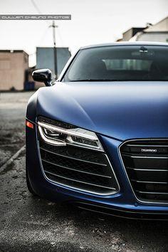 Matte frost blue Audi R8 V10 Plus