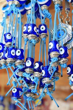 Turkish bead souvenirs -The Nazar Boncuğu or Blue Evil Eye Cheat Meal, Greek Evil Eye, Turkish Eye, Evil Eye Jewelry, Evil Eye Charm, My Favorite Color, Greece, Blues, Decoration