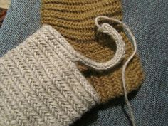 Old Year's resolution: a needle sock pattern. As I promised: how to make a sock nalbinded. - Hibernaatiopesäke