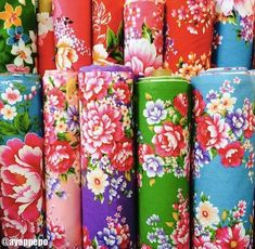 客家花布 Cafe Restaurant, Restaurant Ideas, Decoupage Paper, Display Design, Chinese New Year, Feng Shui, Pillar Candles, Taiwan, Floral Prints