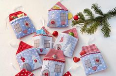 Den Adventskalender mit den romantischen Häuschen kann man jedes Jahr wieder verwenden. Foto: (c)frechverlag