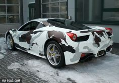 Autos in Camouflage/Flecktarn Bugatti Cars, Ferrari, Camouflage, Country Trucks, Boat Wraps, Camo Designs, Top Cars, Car Wrap, Cars And Motorcycles
