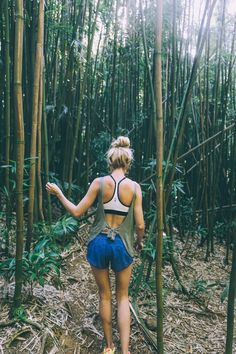 Hiking and a Helicopter Ride - Barefoot Blonde by Amber Fillerup Clark Cute Hiking Outfit, Summer Hiking Outfit, Hiking Outfits, Summer Ootd, Outfit Winter, Beach Volleyball, Mountain Biking, Mountain Wear, Hiking Training