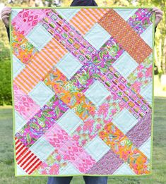This particular patchwork quilts is seriously a remarkable style construct. Quilt Baby, Baby Girl Quilts, Lap Quilts, Strip Quilts, Girls Quilts, Quilt Blocks, Twin Quilt, Baby Quilts Easy, Quilts For Kids