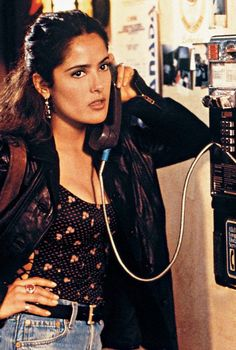 Fools Rush In mit Salma Hayek - Alles über Damenmode Pretty People, Beautiful People, Beautiful Women, Salma Hayek Style, Nastassja Kinski, Mode Vintage, Looks Vintage, Celebs, Celebrities