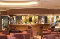 Hotel Don Pancho | Lobby area. Cozy and very special. | Área del lobby en la planta de recepción. Acogedora y muy especial | #Benidorm #hoteldonpancho #hotel #sea #holidays #vacaciones #lobbybar