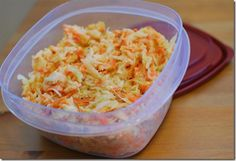 A Delicious Creamy Low Syn Coleslaw that makes the perfect side dish for grilled meats and barbecues, picnics and more. Slimming World Snacks, My Slimming World, Slimming Eats, Slimming World Recipes, Slimming Word, Quick Healthy Lunch, Healthy Eating Recipes, Low Calorie Recipes, Diet Recipes