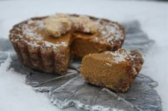 Raw Pumpkin Pie | Sweetly Raw