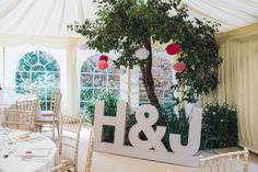 Iniciales para bodas en madera                                                                                                                                                                                 Más