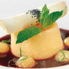 #pausagolosa che ne dite di provare a fare una di queste fresche bontà al melone? La ricetta è facilissima {http://bit.ly/dolciperognioccasione  link in bio}      #food #foodie #instafood #instagood #foodstagram #delicious #zoomfood #ricetta #inmykitchen #cookingwithlove #dessert #sweet #easy #recipe #teatime #love #delicious #amazing #cake #yummy #fruit #frutta #light #quick #recipes #summer #spring #sunny #food