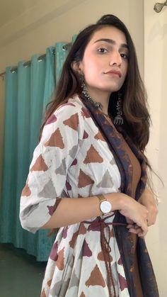 Indian Fashion Dresses, Kimono Fashion, Asian Fashion, Modest Fashion, Fashion Outfits, Fasion, Designer Party Wear Dresses, Kurti Designs Party Wear, Designs For Dresses