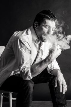 #boxing #sport #relations  #passion #victory #boxer #athlete #фотосессия… Henry Miller, Occult Art, Man Smoking, Travel Magazines, Man Photo, Portrait Photo, Photography Tips, Character Inspiration, Boxer