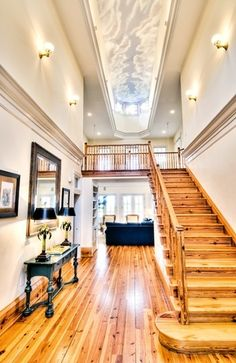 INTERIOR DECORATION / Impressive foyer of Kiawah Island home