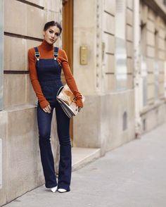 Canela e marinho na cartela de cores perfeita da produção da minha  @camilacoelho com gola alta @isabelmarant  macacão jeans @secondskinoveralls  Pretty girl in Paris  #FhitsParis #FhitsTeam #FhitsTips