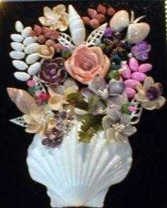 Shell art craft blog gallery. Not a lot of detail but variety of assemblages.