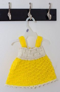 This free knitting pattern is to create a little baby dress that would fit a newborn to a 3 to 4 months old approximately.