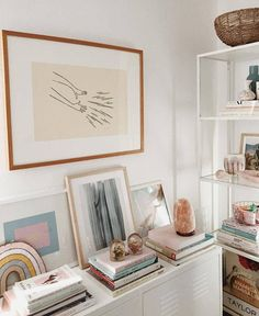 White and bright home office | office inspiration @Tay_Sterling