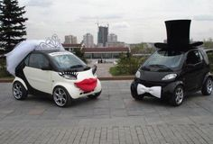 Would you love to decorate your wedding car like this?
