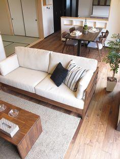 Outdoor Sofa, Outdoor Furniture, Outdoor Decor, Wooden Sofa Designs, Apartment Design, Interior Inspiration, Beautiful Homes, New Homes, House Design